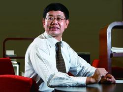 新兴际华刘明忠:用产业基金把装备制造业扶起来