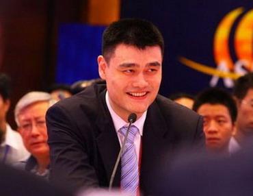 姚明呼吁给公民减税