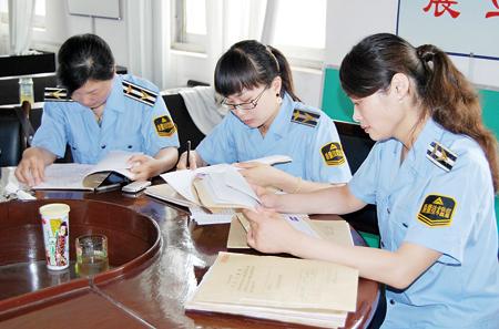 安徽阜阳颍州质监分局组织开展行政处罚案卷评