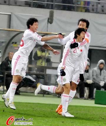 东亚四强赛的中国国家男足在日本的味之素竞技场来迎战老对手韩国队.