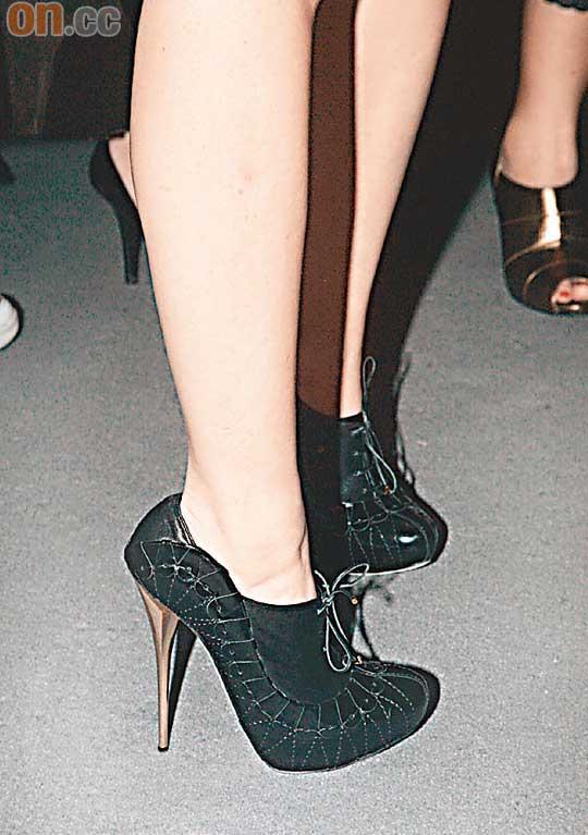 高跟 高跟鞋 女鞋 鞋 鞋子 540_767 竖版 竖屏