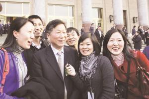 尚福林:积极采取措施促进股市稳定