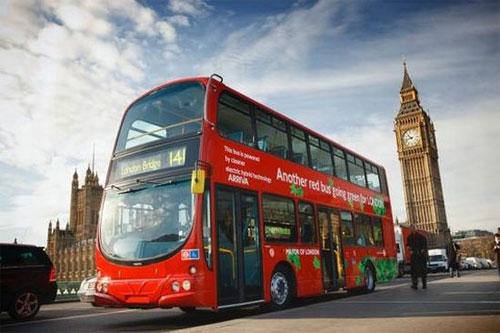 """伦敦市长称新""""路主""""红色双层巴士要回归了"""