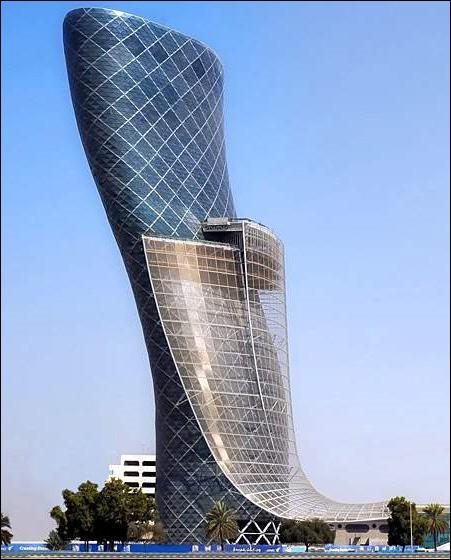 阿联酋首都门世界最斜 斜度是比萨斜塔4倍(图)