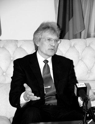 俄罗斯驻中国大使拉佐夫:俄罗斯人爱游东北