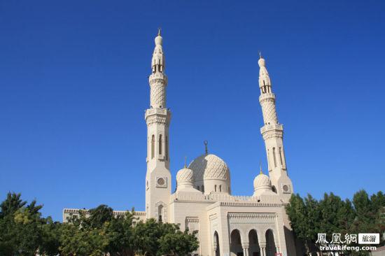 迪拜:金沙堆砌起来的华美沙漠城市(组图)