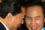 与韩国总统李明博会谈