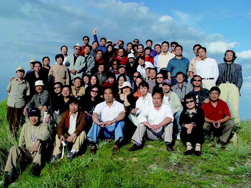 学员在内蒙古锡盟草原采风