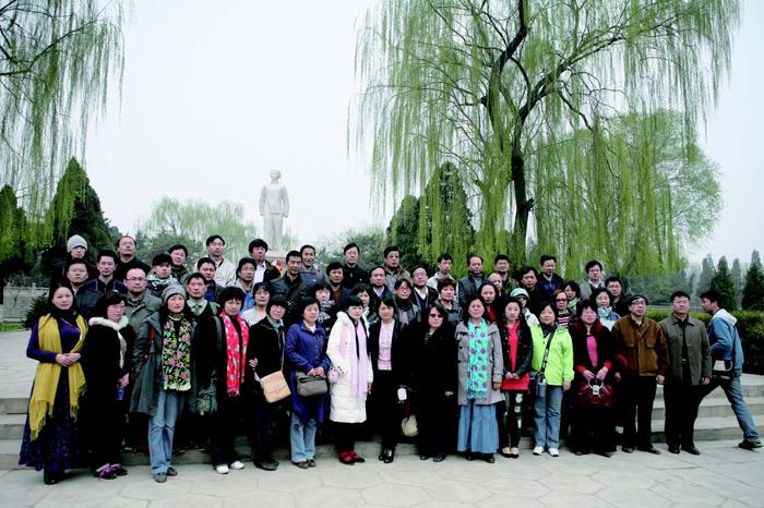学员在闻喜县刘胡兰烈士纪念馆