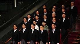 临阵倒戈:5名政府高官集体辞职