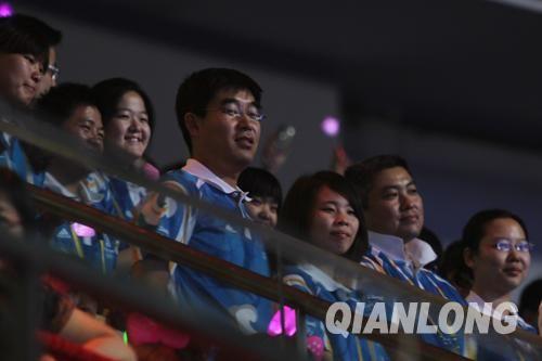 2000多名奥运志愿者到现场观看演出