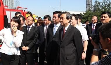 主政深圳四年:亚洲金融危机时期和香港回归祖国最初四年