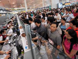 欧盟规定航班延误超3小时可要求现金赔偿