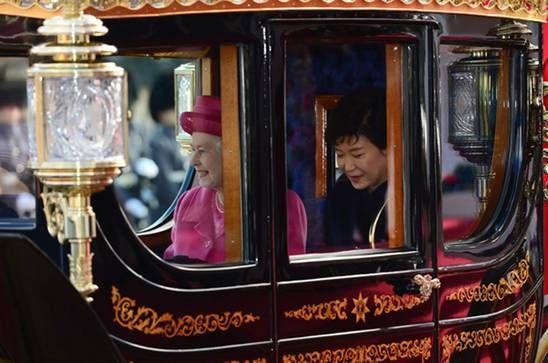韩国总统访英乘坐皇家马车