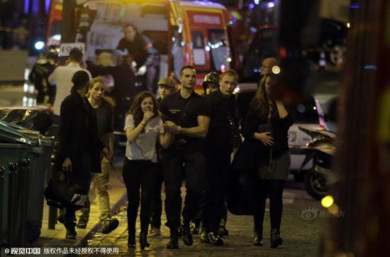 回放:巴黎恐怖一夜发生了什么