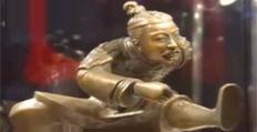男子创建运动兵马俑雕塑迎奥运
