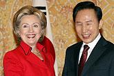 韩国总统李明博会见希拉里