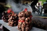 图文:许家村一户渔民煮好的南湖菱