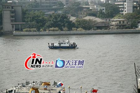 广州客轮与货船相撞沉没8人失踪(组图)