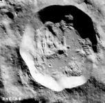 """嫦娥月球照公布 撞击坑被命名为""""嫦娥与狗"""""""