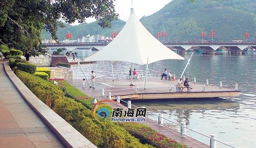 3月18日,三亚市红树林公园一景.本栏照片均为本报记者李英挺摄