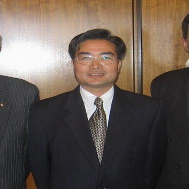 梁梳根将接替杨强出任中国驻温哥华总领事