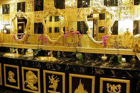香港金王猝死曾用760斤黄金修厕所(图)