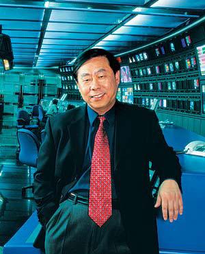 2008感动中国推委会成员:罗明(图)