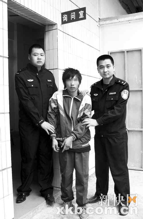 假校服穿学生连偷15起济南南v校服街小学上山图片
