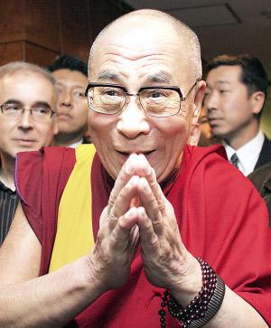 中国人愤怒了!达赖窜访藏南,印度军人荷枪实弹