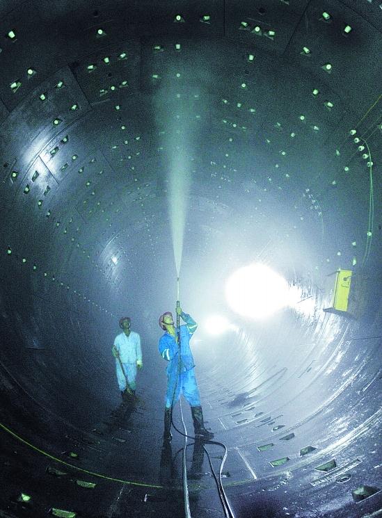 杭州地铁:洗净隧道好铺轨