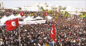 突尼斯10万人游行要求临时总理下台