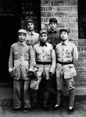 新中国八航校第一任校长李发应