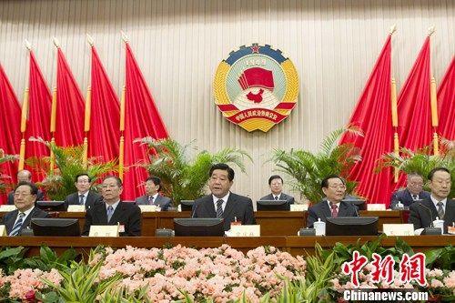 2月26日,全国政协十一届常委会第十六次会议在北京开幕,中共中央政治局常委、全国政协主席贾庆林主持会议。中新社记者 盛佳鹏 摄