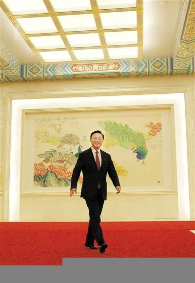 昨日,外交部部长杨洁篪就中外关系和热点问题回答了中外记者提问。本报记者 赵亢 摄
