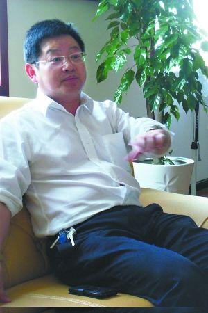 县委书记杨安文。