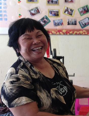 韦欢娥:建立残疾人康复中心的爱心大姐