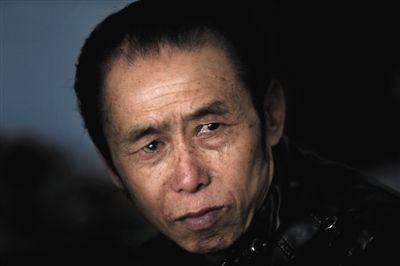 """提到自己的遭遇,被称作""""川版赵作海""""的王本余眼角湿润。因被认定为1994年一桩强奸杀人案的凶手,王本余在1996年被判处死缓,真凶落网后被改判包庇罪,并于2013年获释。"""