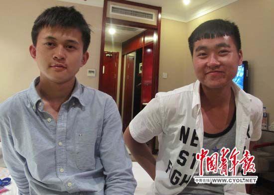 贵州省机器产业黉舍门生李明扬(左)、庄太双到天津加入天下工作院校技术大赛。走运的是,赛前他们在黉舍里见到了习近平总布告。他们说,学好技术,报效国度。