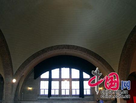 图文:清华大学大礼堂构造独特的穹顶