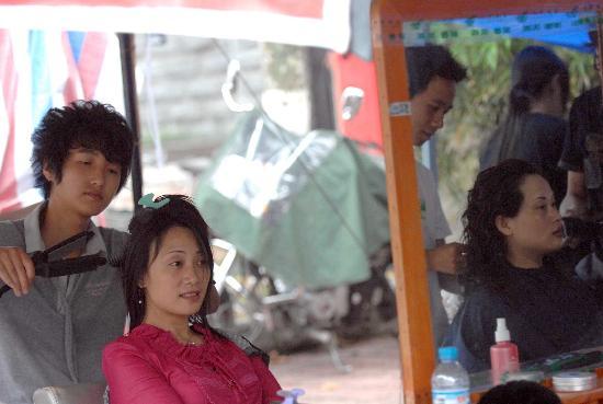 组图:绵竹帐篷市场服务设施逐步完善