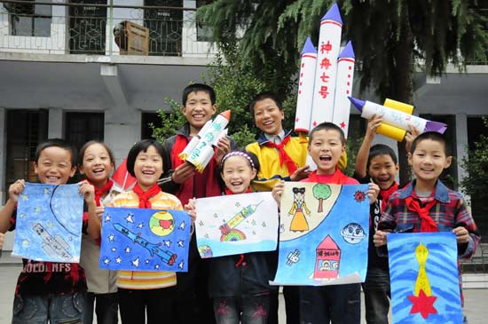 图文:小学生v图文的神七模型寮步东源学费小学图片