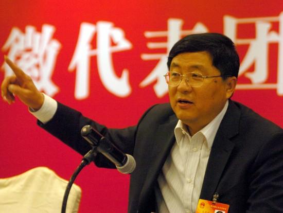 图文:安徽省宣城市委书记高登榜谈房价