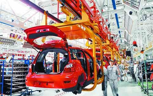 繁忙的长城汽车股份有限公司生产线.-河北保定自主品牌汽车出口呈高清图片