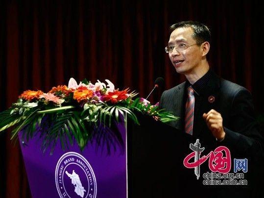 江苏省品牌学会秘书长卜安洵讲话。  中国网杨佳/摄影
