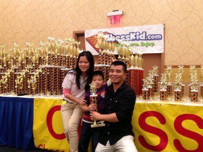 5岁华裔儿童陈扑满夺美国西洋棋赛最年轻冠军(图)