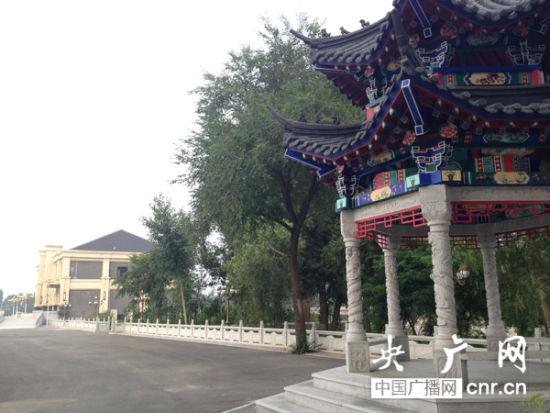仿古建筑 央广网记者 吴�椿� 摄