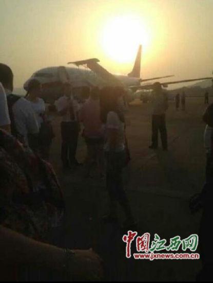 网曝上海飞曼谷一航班因一搭客突发殒命备降南昌