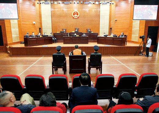 2011年4月19日,李庄漏罪案在重庆市江北区法院开庭审理。