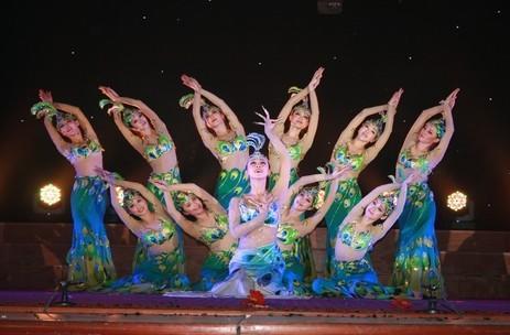 洋学院迎来中国东方歌舞团倾情演出